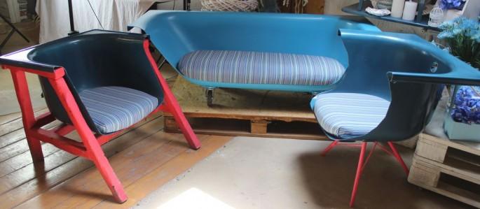 Диван со стульями